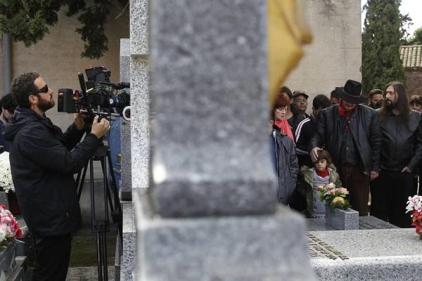 VILLAVICIOSA DE ODON MADRID. 27-10-15. RODAJE DE LA PELICULA TODO ES DE COLOR SOBRE EL GRUPO TRIANA Y DIRIGIDA POR GONZALO GARCIA PELAYO. FOTO: JOSE RAMON LADRA.